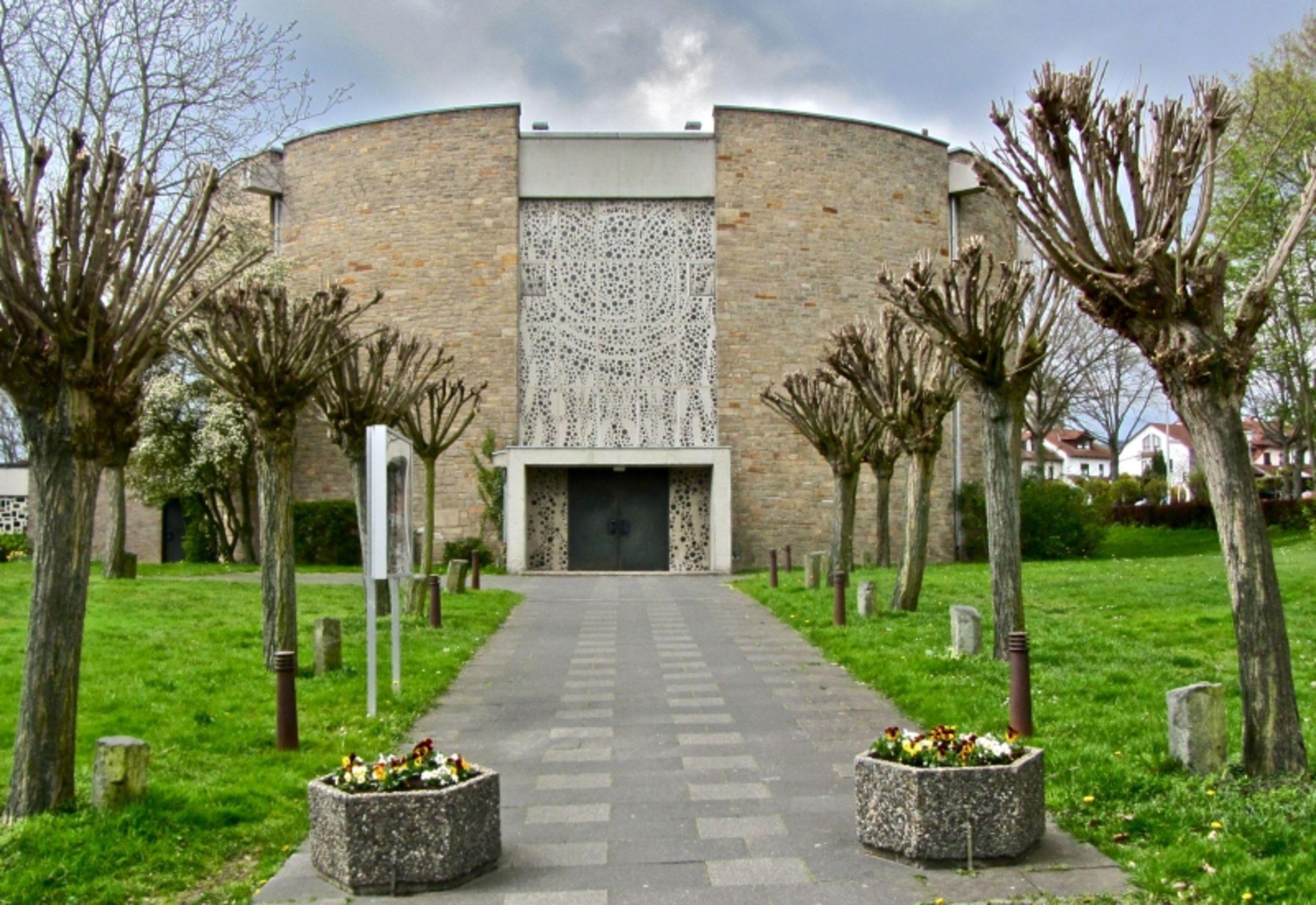 Katholische Kirche - Pfarrgemeinde Herz Jesu, Kassel - St